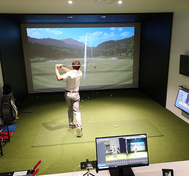 cours-de-golf-swing-paris-indoor-trackman