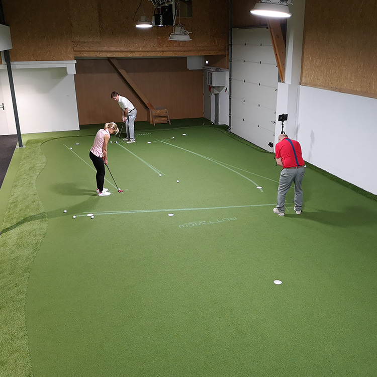 putting-indoor-paris-france-golfskills